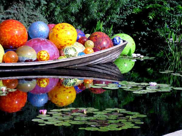 Chihuly at DBG 2014 - Niijima Float Boat (11)