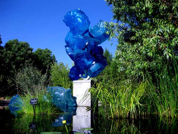 Chihuly at DBG 2014 - Polyvitro Crystal Tower (3)