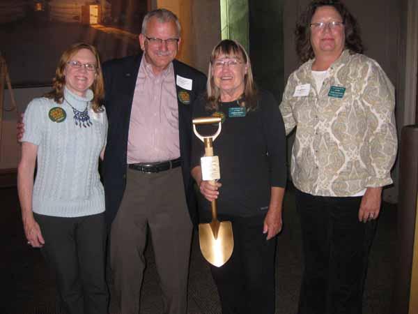 2014-10-08 Golden Shovel Award (1)