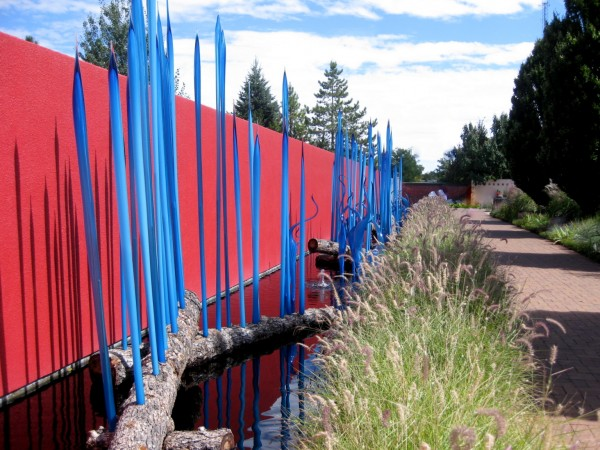 Chihuly at DBG 2014 - Turquoise Reeds and marlins with Persian tower (4)