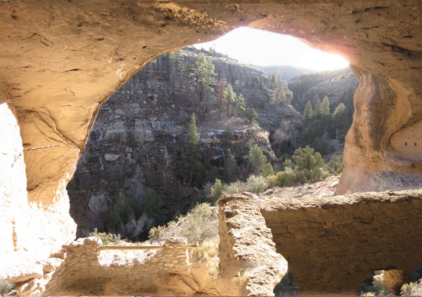 15-12-10 Gila Cliff Dwellings NM -002