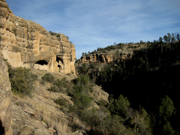 15-12-10 Gila Cliff Dwellings NM -004