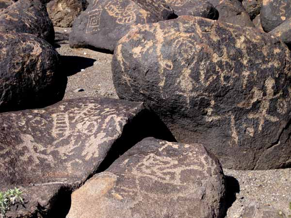 16-01-08 Painted Rock Petroglyph Site -005